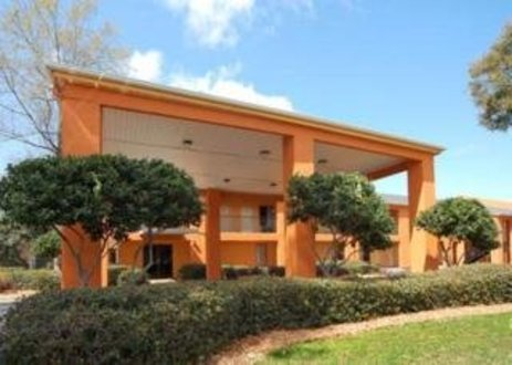 Quality Inn Pensacola West Pensacola United States Flyin Com